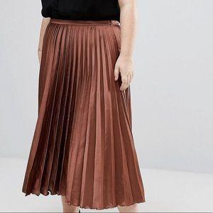 Dresses & Skirts - Pleated satin midi skirt